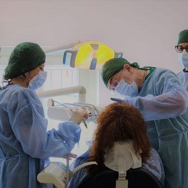 Tecnologie e materiali evoluti portano beneficio alla salute dei denti.