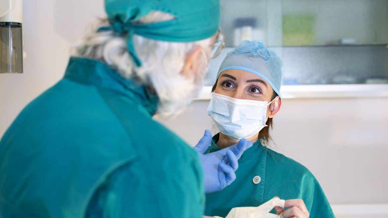 Carenza d'osso Si può tornare a sorridere con gli impianti zigomatici